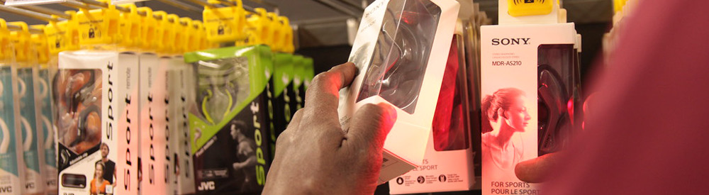 rgis inventory associate scanning electronics on shelf